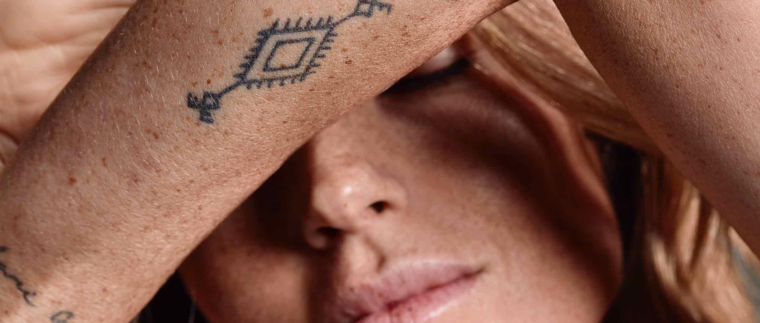 SKIN STORIES I Tattoos I Tattoo Farbe & tätowierte Haut